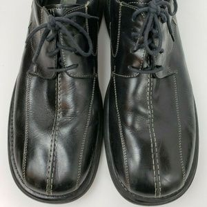 KENNETH COLE REACTION Black Leather Oxfords